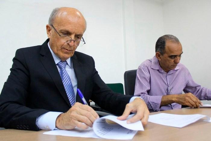 Governo assina contratos para realização de cirurgias de catarata