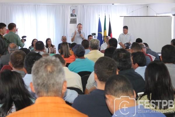 AMCAP reúne prefeitos e vereadores do Cariri para debater a PEC pela extinção dos municípios