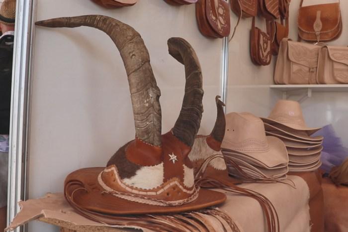 Artesãos do Cariri poderão renovar e retirar 'Carteira do Artesão' durante Festival do Couro