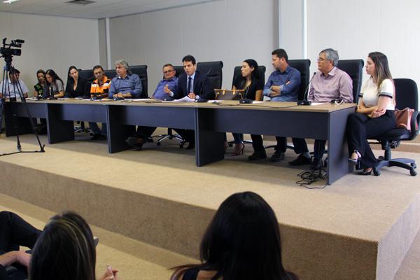 MOÍDOS DA REDAÇÃO: Prefeitos do Cariri assinam acordo de não-persecução com o MPPB para 'Fim dos Lixões'