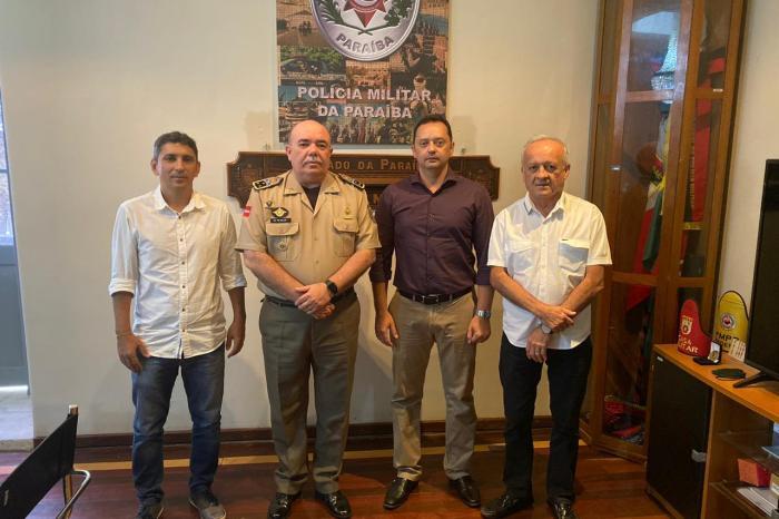 Éden Duarte solicita à PM a permanência de policiais recém-formados na região do Cariri