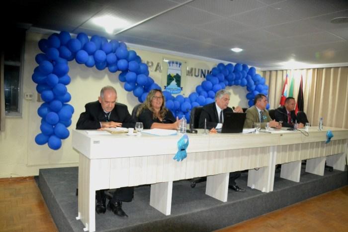 Câmara de Monteiro se engaja na Campanha Novembro Azul durante sessão