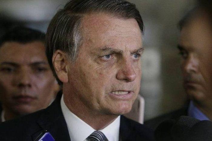 Bolsonaro diz que há possibilidade de ter câncer de pele
