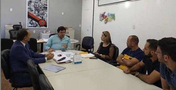 Secretário garante permanência da escola estadual de São Domingos do Cariri em 2020