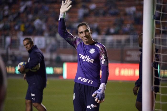 Fernando Prass anuncia saída do Palmeiras por rede social