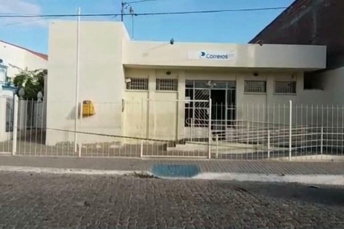 Criminosos invadem agência dos Correios de Taperoá, rendem vigilante e levam dinheiro