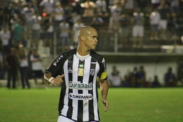 Zagueiro do Treze diz que clube deixou de pagar seus salários