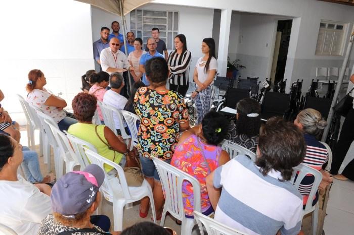 Secretaria de Saúde de Monteiro faz entrega de Órtese e Próteses a usuários com deficiência