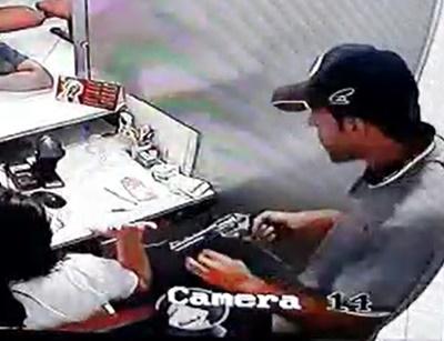 Bandidos armados assaltam a loja do 'Armazém Paraíba' na tarde desta quinta em Soledade