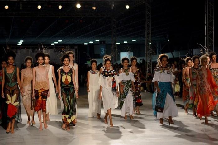 Trabalho produzido pelas rendeiras do Cariri paraibano chegam à São Paulo Fashion Week