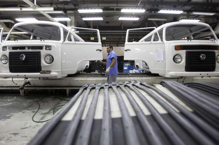 Brasil diz que crescimento do PIB será de 2,4% em 2020