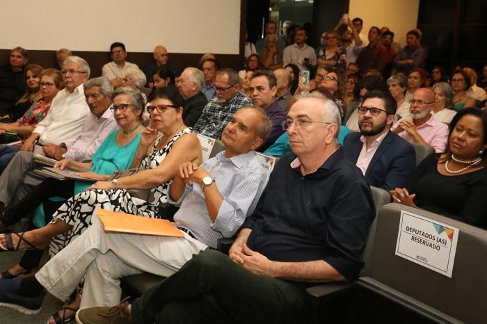 """""""Paraíba na Literatura"""" é lançado com presenças ilustres"""