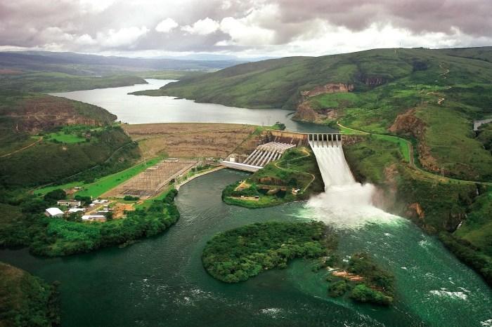 Usinas de Furnas poderão gerar energia hidrelétrica e solar