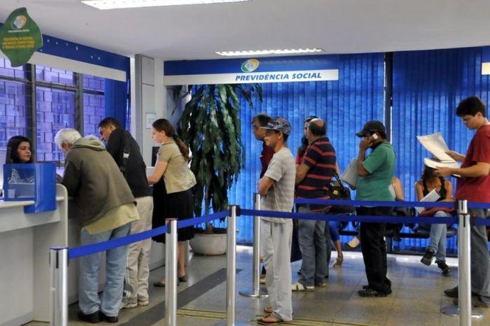 Governo espera regularizar INSS entre outubro e novembro
