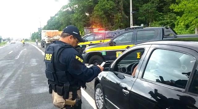 PRF flagrou mais de 1,3 mil infrações de trânsito durante o carnaval na PB