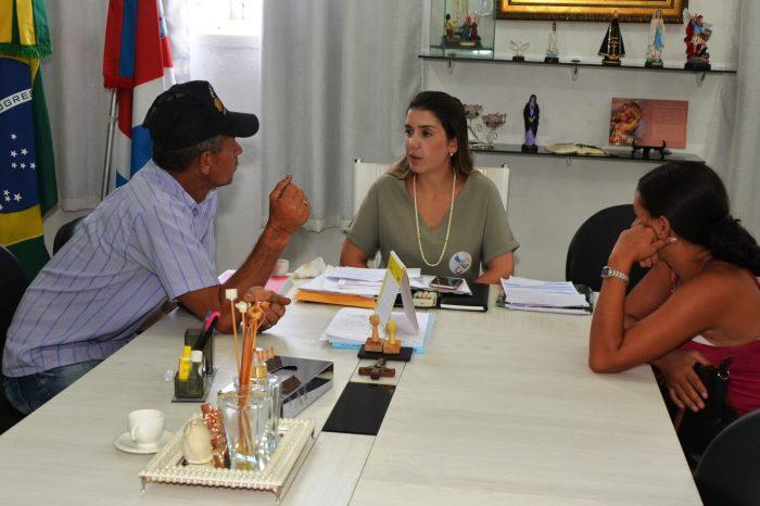 Respeito pelo povo: Ana Lorena atende a população e dialoga com os monteirenses