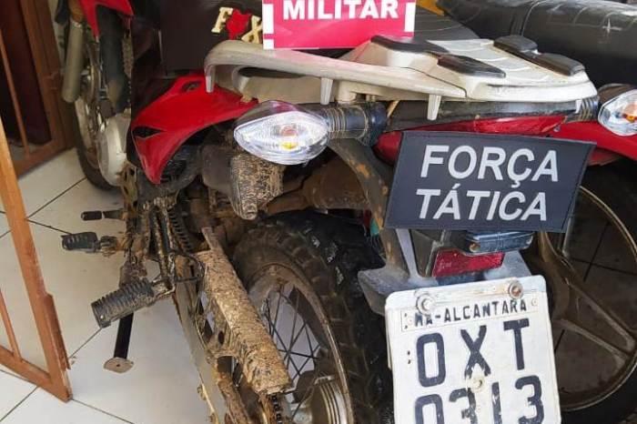 Polícia Militar aborda condutor de moto, com placa adulterada em blitz em Sumé