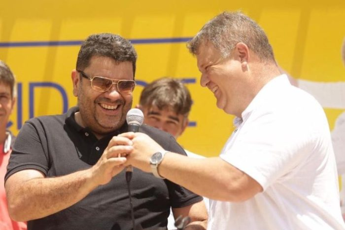 André Gomes anuncia o nome de Dr. Cleiriston Diniz como seu pré-candidato a vice