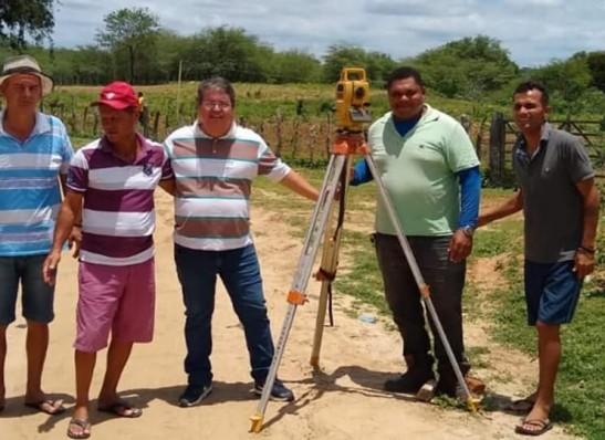 Governo trabalhos para asfaltamento entre a BR-412 e o Distrito Malhada de Roça