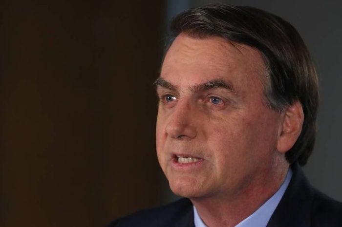 Bolsonaro muda o tom e evita críticas ao isolamento social