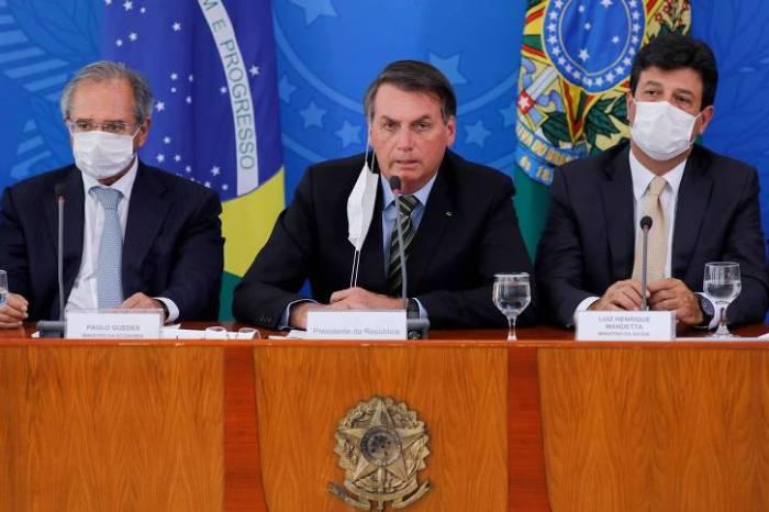 Bolsonaro expõe crise e diz que falta humildade ao Ministro da Saúde