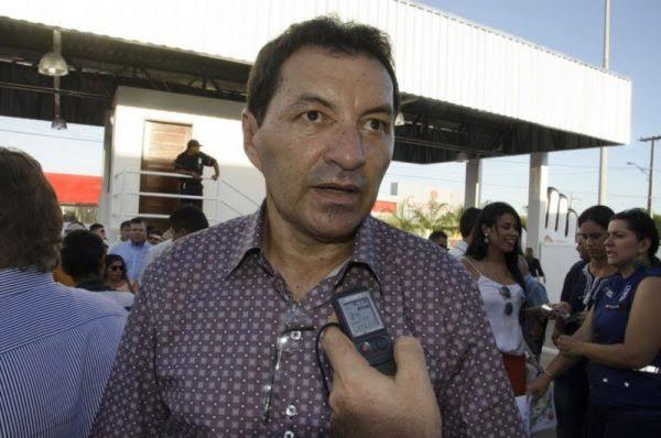 Ex-prefeito de Camalaú acusa atual gestão de corrupção e de realizar contratos fraudulentos