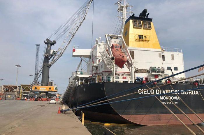 Navio argentino atraca na PB e tripulantes ficam em quarentena