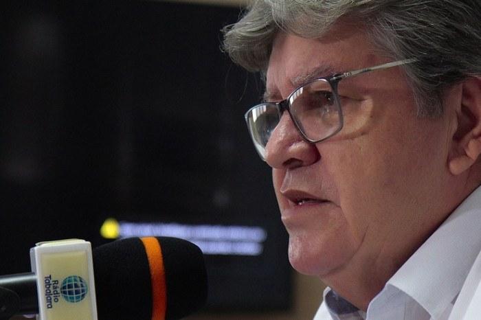 João Azevêdo anuncia pagamento de maio dos servidores