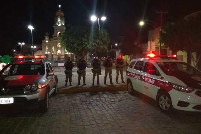 Polícia Militar apreende gaiolas e ave silvestre em cidade do Cariri