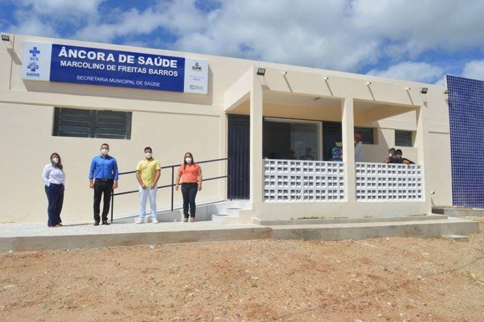 Prefeito Éden Duarte entrega unidade de saúde da Carnaúba e anuncia mais investimentos