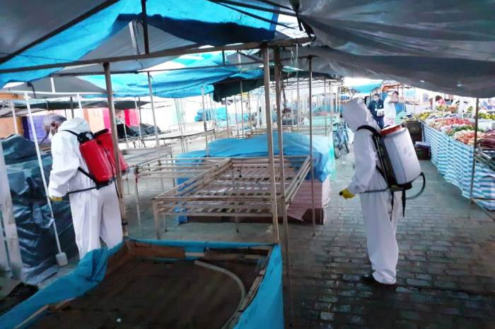 Prefeitura de Monteiro realiza desinfecção de UBSs, Feira Livre e Açougue Público