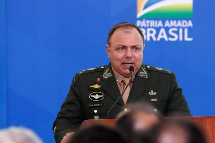 Pazuello nomeia 9 militares para atuar no Ministério da Saúde
