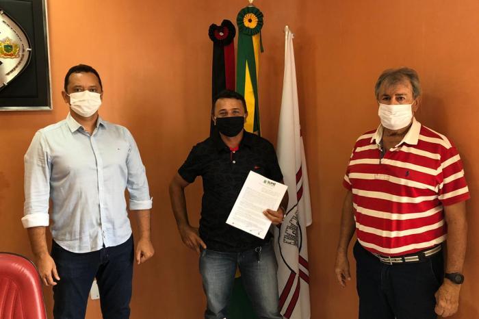Éden Duarte dá ordem de serviço para obra de abastecimento d'água de mais de R$ 2 milhões