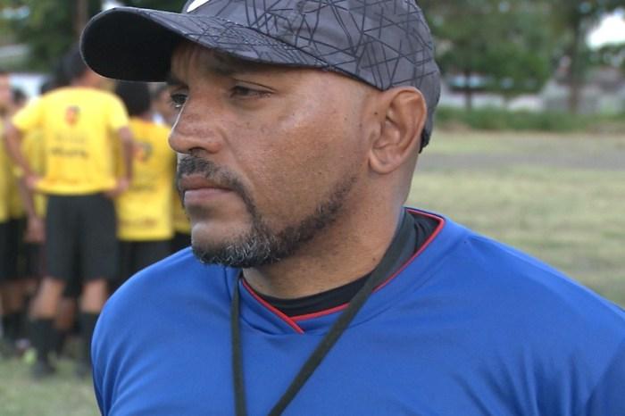 Gil Bala negocia para assumir comando técnico do Santos-PB