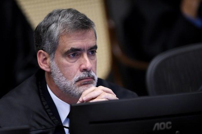Brasil está 'desgovernado' na área da saúde, diz ministro do STJ