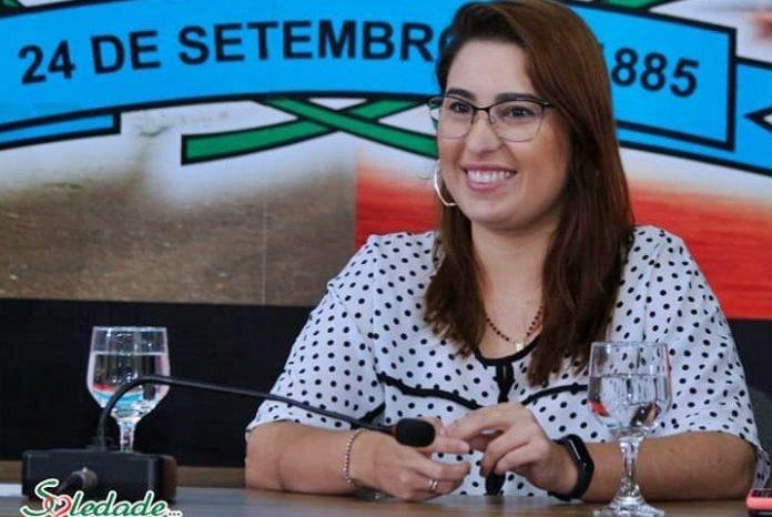 Secretária de saúde do município de Soledade sofre grave acidente na BR 230