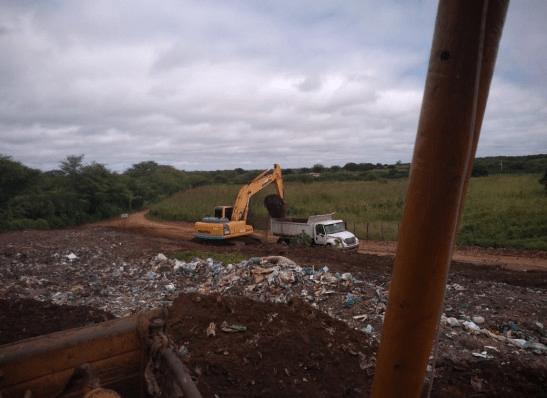Prefeita de Ouro Velho autoriza recuperação de área degradada do lixão