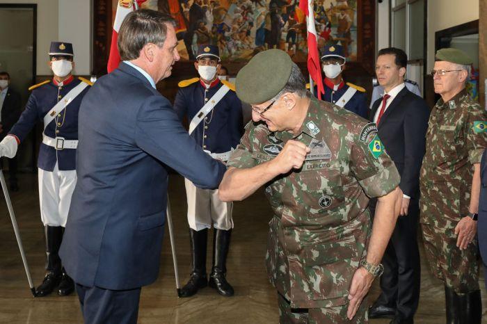 Militares da ativa e ministros do Supremo reprovam nota de Bolsonaro