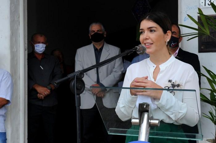 No aniversário de Monteiro, prefeita Anna Lorena presta contas à população
