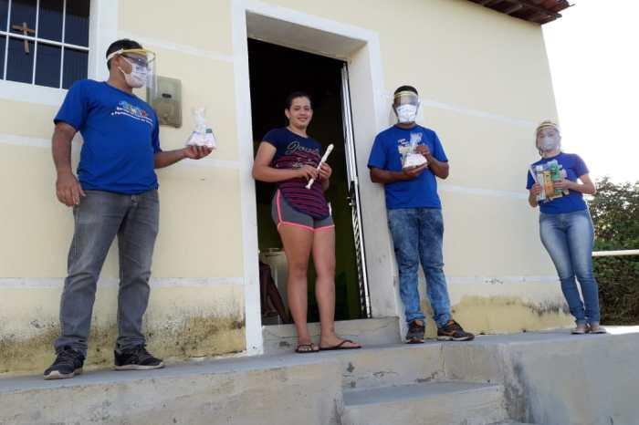 Beneficiários do SCFV da zona rural recebem kits e instrumentos musicais em Monteiro