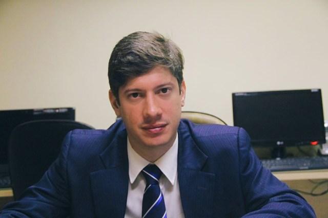 Auto Esporte presta homenagem ao advogado Eduardo Araújo