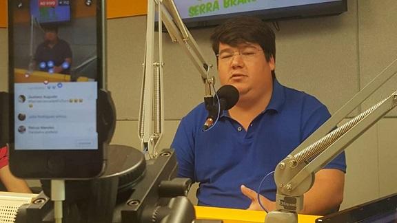 """MOÍDOS DA REDAÇÃO: """"O prefeito Souzinha roda a cidade a procura de vice"""", diz Flávio Torreão"""