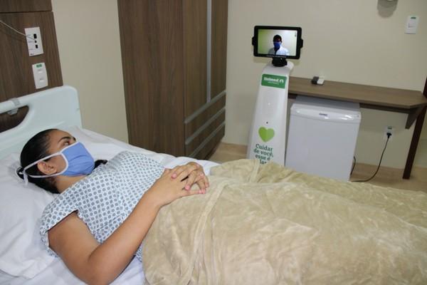 Hospital usa robô para tratamento de pacientes com Covid-19