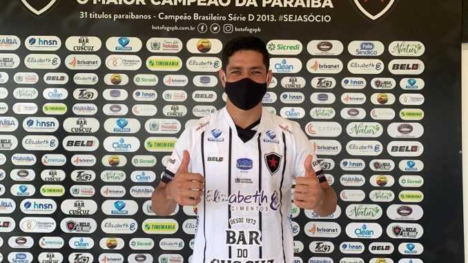 Atacante é apresentado oficialmente no Botafogo-PB