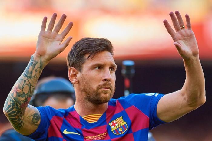 Torcida do Barcelona exige a permanência de Messi