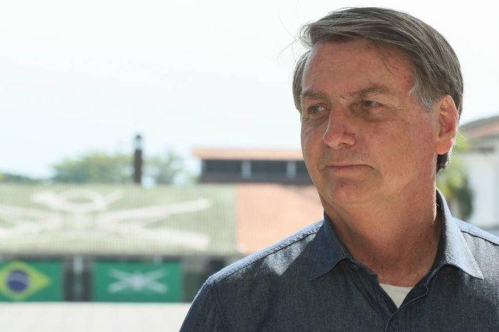 Bolsonaro planeja prorrogar auxílio emergencial até o fim do ano