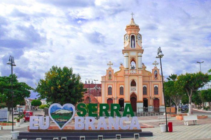 Prefeitura de Serra Branca publica decreto flexibilizando a abertura do comércio e academias