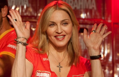 Madonna acaba contrato com gravadora após 10 anos de parceria