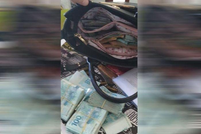 Gaeco apreende bolsa com cerca de R$ 60 mil em dinheiro na casa do prefeito de Camalaú