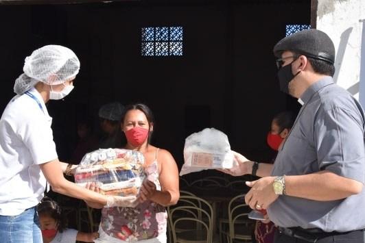 MESA BRASIL SESC: Sesc Paraíba realiza doações de alimentos e de EPIs no Cariri